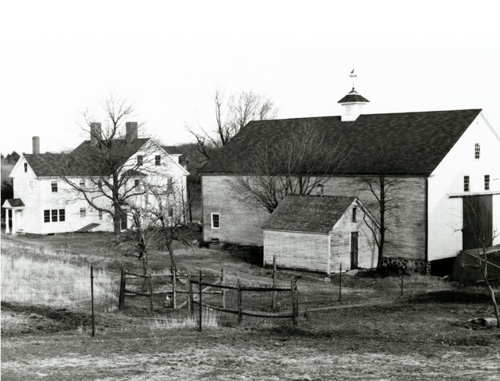 Farmhouse, 1827 Barn, and Icehouse (Griffin Museum)